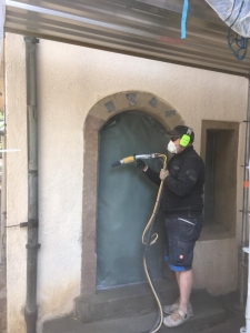 Reinigung historischer Untergründe Denkmalpflege