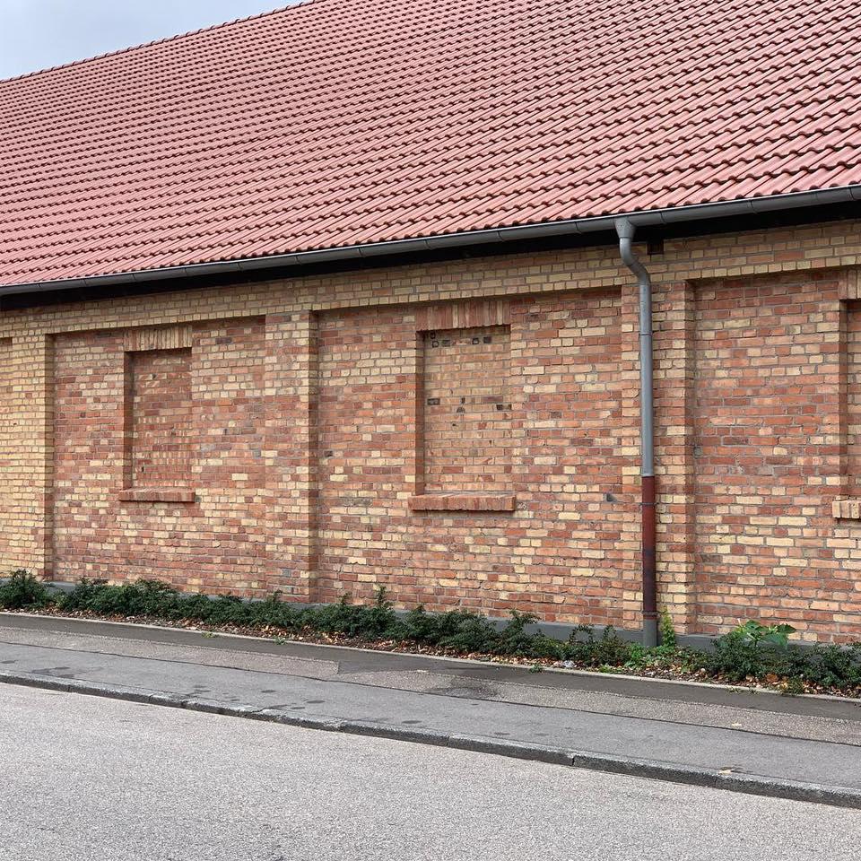Saubere Klinkerfassade nach der Sanierung
